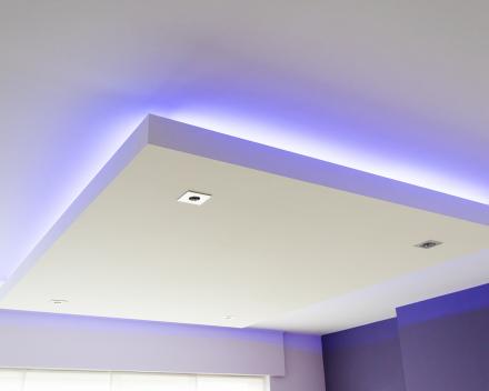 Creëer een prachtige lounge sfeer in uw living met een verlaagd plafond