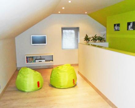 Een leuke en tegelijk stijlvolle ruimte voor uw kinderen met de warmte van een parketvloer